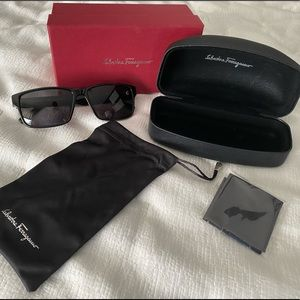 🔴Authentic🔴 Salvatore Ferragamo Grey Sunglasses
